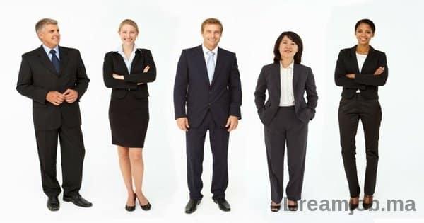 coaching emploi comment s 39 habiller pour un entretien d. Black Bedroom Furniture Sets. Home Design Ideas
