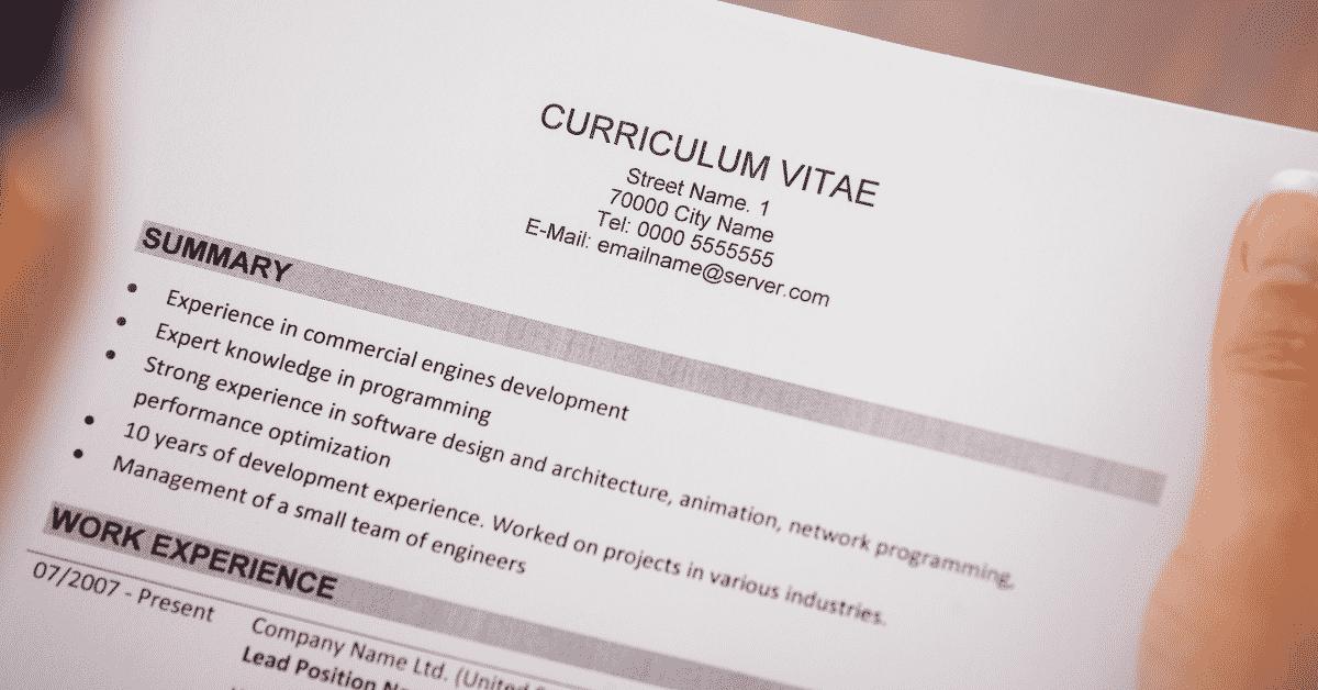 9 conseils pratiques pour écrire votre premier CV